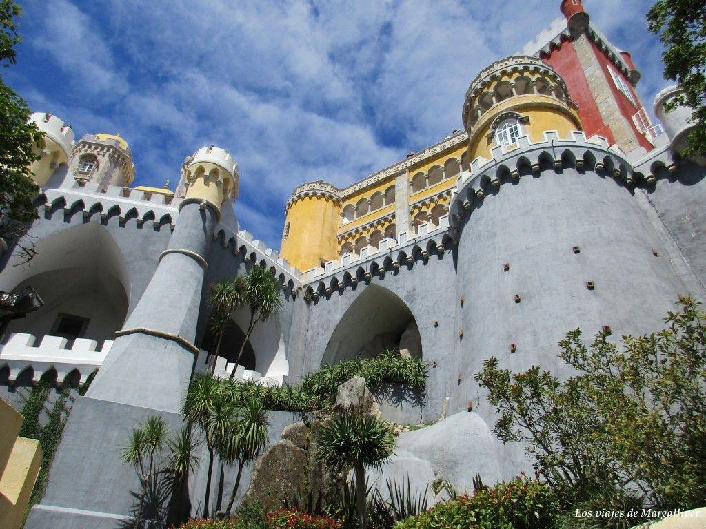 Vistas del Palacio da Pena desde abajo, Sintra - Los viajes de Margalliver